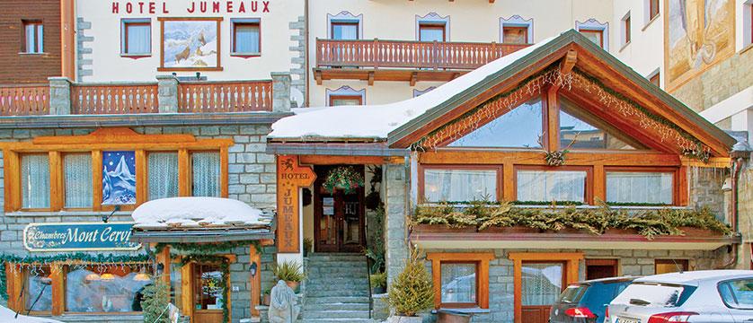 Italy_Cervinia_Hotel_juneaux_exterior.jpg